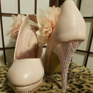 Dresses & Skirts - Gorgeous Prom/Bridal Heels 7.5 New In Box